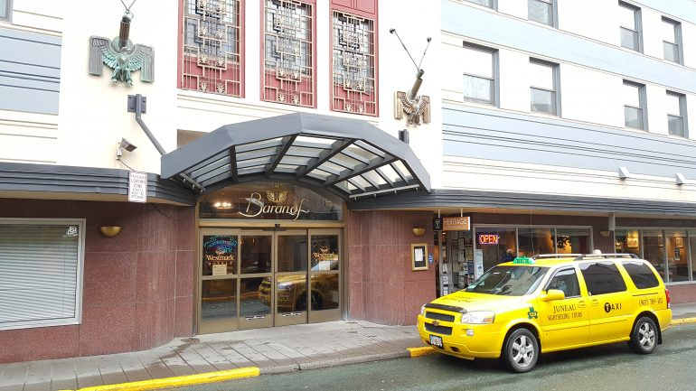 barnof hotel
